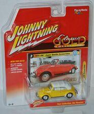 Classic Gold - 1975 VW SUPER BEETLE conv - yellow/white - 1:64 Johnny Lightning