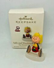 "Hallmark Christmas Ornament ""Sally and Woodstock on Ice"" 2010 wbx&tag*"