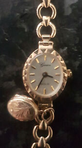 Ladies 9ct Gold Genève Bracelet Watch. Valued at £850.