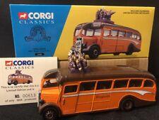 CORGI CLASSICS 33201 FINGLANDS AEC REGAL COACH SET Limited Edition 1:50 Scale