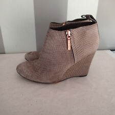 Clarks plus suede leather Ankle Boots us 5 wedge f