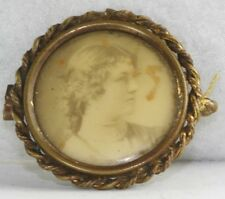 VICTORIAN ANTIQUE ATTRACTIVE WOMAN PHOTOGRAPH PICTURE PIN