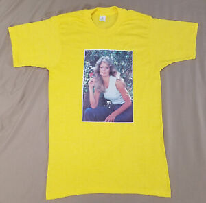Vtg 1970's Farrah Fawcett Flower t-shirt size MEDIUM M shirt small single stitch