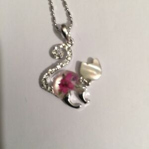 JEWELLERY PENDANT REAL FLOWERS CAT PENDANT - (Curly tail pink)