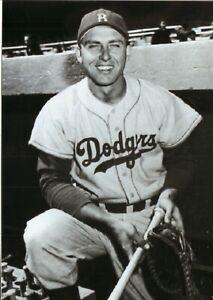 Gil Hodges--Brooklyn Dodgers--Glossy 5x7 B&W Photo