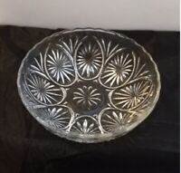 Vintage Anchor Hocking Medallion Crystal Clear Glass Serving Bowl Star Cameo 8""