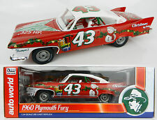 1:24 AUTO WORLD = RICHARD PETTY 1960 Plymouth Fury *MERRY CHRISTMAS CAR* NIB!