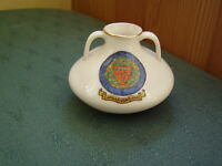 CARNARVONSHIRE CREST - MODEL OF ROMAN COLCHESTER VASE - GOSS CRESTED CHINA