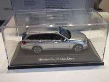 Kyosho 2013 Mercedes-Benz E Class S213 T Modell Irdiumsilber met.1 43 mit OVP