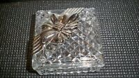 VINTAGE DIAMOND POINT VANITY TRINKET BOX WITH SILVER BOW