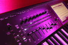 Korg KRONOS 2 88 Key keyboard Music Workstation Synth, Mint Condition with box!