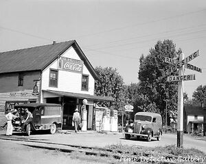"General Store / Gas Pumps, Atlanta, Ohio - 1939 - 16"" x 20"" Poster"
