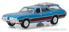 Greenlight Oldsmobile Vista Cruiser 1972 Blue with Woodgrain 29950 D 1/64