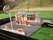 NMINT VINTAGE Life Like Esso Gas Station Slot Car Train Track Set Building