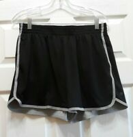 BIG LITTLE LIES/ALEXANDER SKARSGARD SCREEN WORN WARDROBE SHORTS