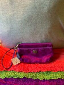 Coach Park Getaway Nylon Lilac SIG Patent Leather Trim Zip Turn Lock Wristlet