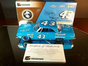 Richard Petty #43 Interstate Motors 1964 Plymouth Belvedere Autographed x2 Dale