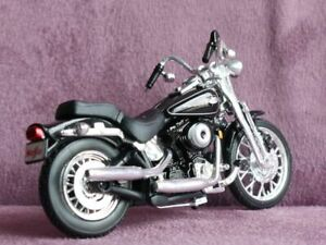 New 1/24 Maisto US HARLEY DAVIDSON Bike 2001 FLSTF Springer- Softail vivid Black