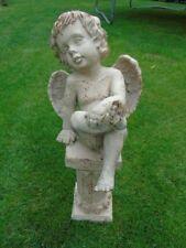 ANGE , statue en fonte pat blanc rouillé d un ange sur socle   ...