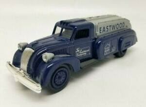 ERTL EASTWOOD LIBERTY 1939 Dodge Airflow EASTWOOD HOME DELIVERY Diecast Bank