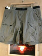 Columbia Titanium men's green belted solid flat front cargo short size 40