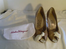 SALVATORE FERRAGAMO SNAKE SKIN LEATHER PEEP TOE HEELS SZ 4 1/2 C W/BAG #37