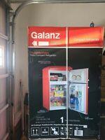 Brand New Galanz Retro Compact Refrigerator 3.1 Cubic ft.