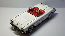 1/18 AUTO ART 1958 CHEVROLET CORVETTE SNOWCREST WHITE