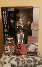 Lost in space b-9 robot, collectors edition, New in box