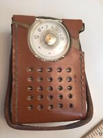 Vintage RCA Victor 3 RH10 Superheterodyne Transistor Radio & Case