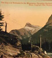 Postcard, Canadian Rockies Gap To Mountains Hand Tinted Canada Vintage P17