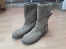 Ladies size 5 carvela boots