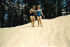 RH09 ORIGINAL KODACHROME 1960s 35MM SLIDE WOMEN IN THE SNOW IN BATHING SUITS