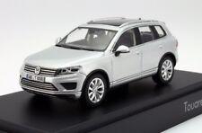 VW TOUAREG 7P II SE 3.0 V6 TDI REFLEX SILVER FACELIFT 1:43 HERPA (DEALER MODEL)
