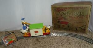 "DISNEY 1936 LIONEL""DONALD DUCK HANDCAR"" WIND-UP TOY+10 PIECE TRACK+ORIG.KEY+ BOX"