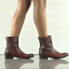 Frye Melissa Button Zip Short Boot (Size: 9 B )