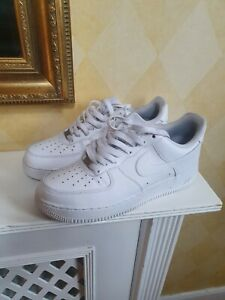 NIKE AIR FORCE 1 White Trainers Unisex Sports Shoes Sneakers UK Size 7.5 VGC