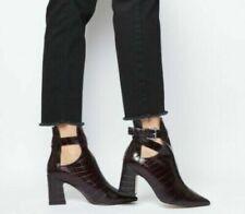 Calzado de mujer botines rojos de piel