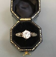 Women's Stylish 9ct Gold Ring CZ Stone Ring Size O 1/2 Weight 1.81g