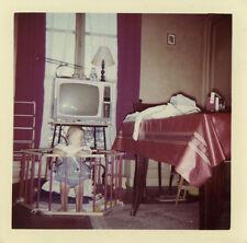 PHOTO ANCIENNE - VINTAGE SNAPSHOT - TV TÉLÉVISION ENFANT PARC RADIO DRÔLE-SCREEN