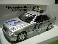 MERCEDES BENZ C CLASS AMG SAFETY CAR au 1/18 UT Models 26105 voiture miniature