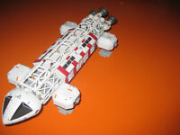 Gerry Anderson Space 1999 Eagle  Medical  Diecast Model Product Enterprise