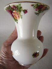 "Vintage 1962 Royal Albert OLD COUNTRY ROSES Vase Flared Fluted 5 1/4"" ENGLAND"