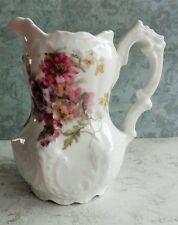 joli pot à lait ancien en porcelaine à décor de fleurs