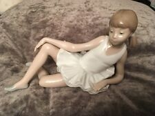 Nao by Lladro Figurine Ballerine Ballet Fille Assise