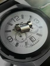 Nixon The Sentry 38  SS Silver extra watch link