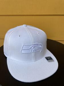 NEW SEATTLE SEAHAWKS NFL CLASSIC REEBOK FITTED CAP BASEBALL HAT WHITE