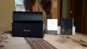 NEW PRADA SMALL BLACK HARD LEATHER CASE. MAGNETIC CLOSURE. BOX, PASPORT INCLUDED