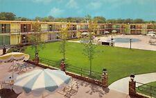 Bowling Green Kentucky 1960s Postcard Holiday Inn Swimming Pool