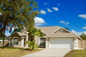 527 Orlando area vacation home 4 bed house with private fenced pool near Disney